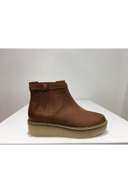 boots schmoove camel