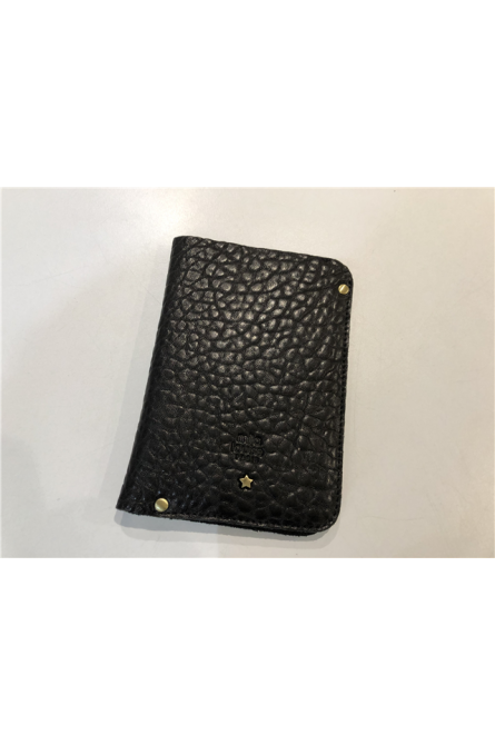 protège passeport mila louise